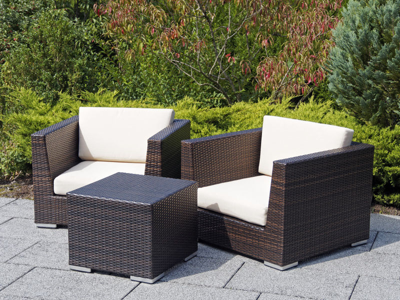 Tips for Painting Wicker or Rattan Furniture